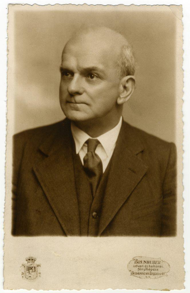 Yolland Arthur a BEAC tanárelnöke